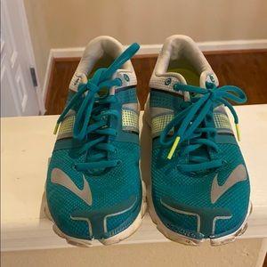 Brooks Pure Flow sneaker size 9